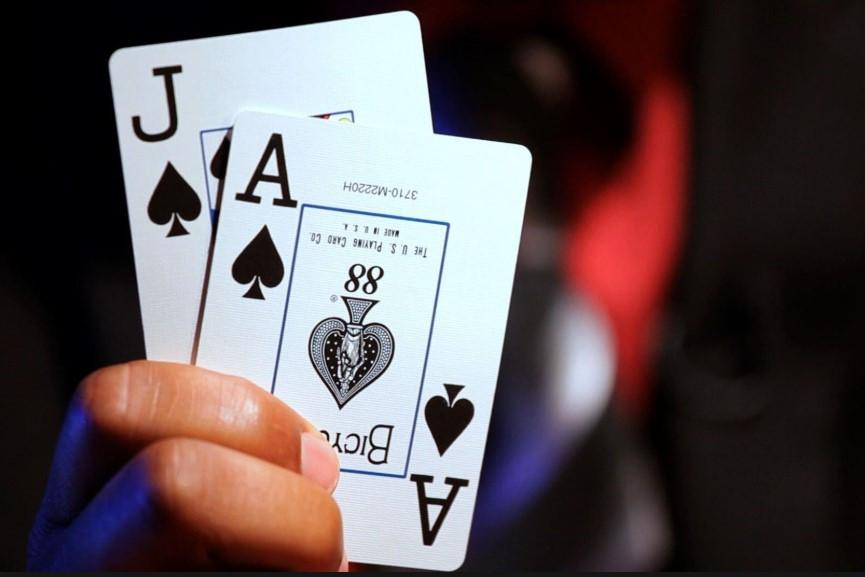 Menikmati Judi Online di Situs Kartu Poker